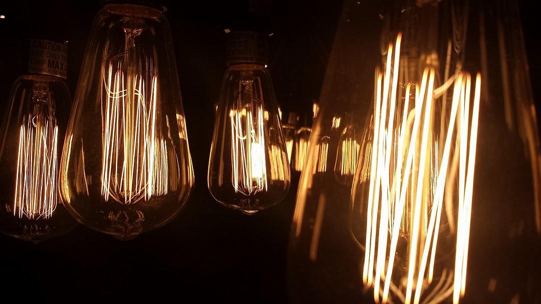 les diff rents types d ampoules lectrique incandescente. Black Bedroom Furniture Sets. Home Design Ideas